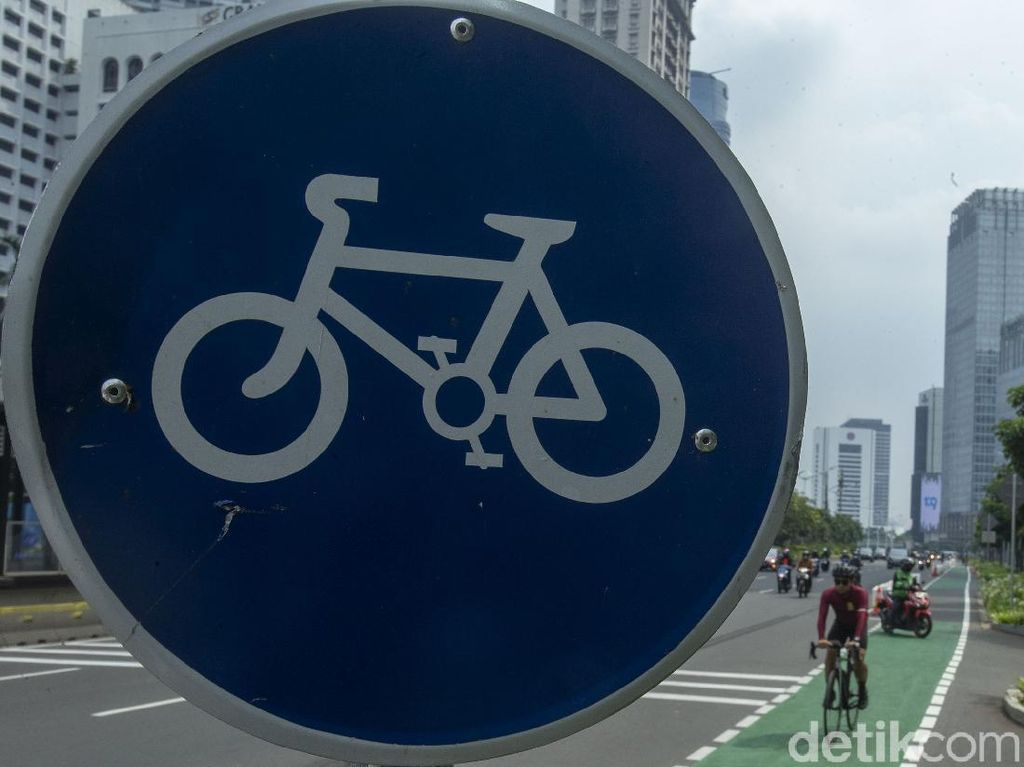 Serba-serbi Jalur Road Bike di Sudirman-Thamrin Mulai Pagi Ini