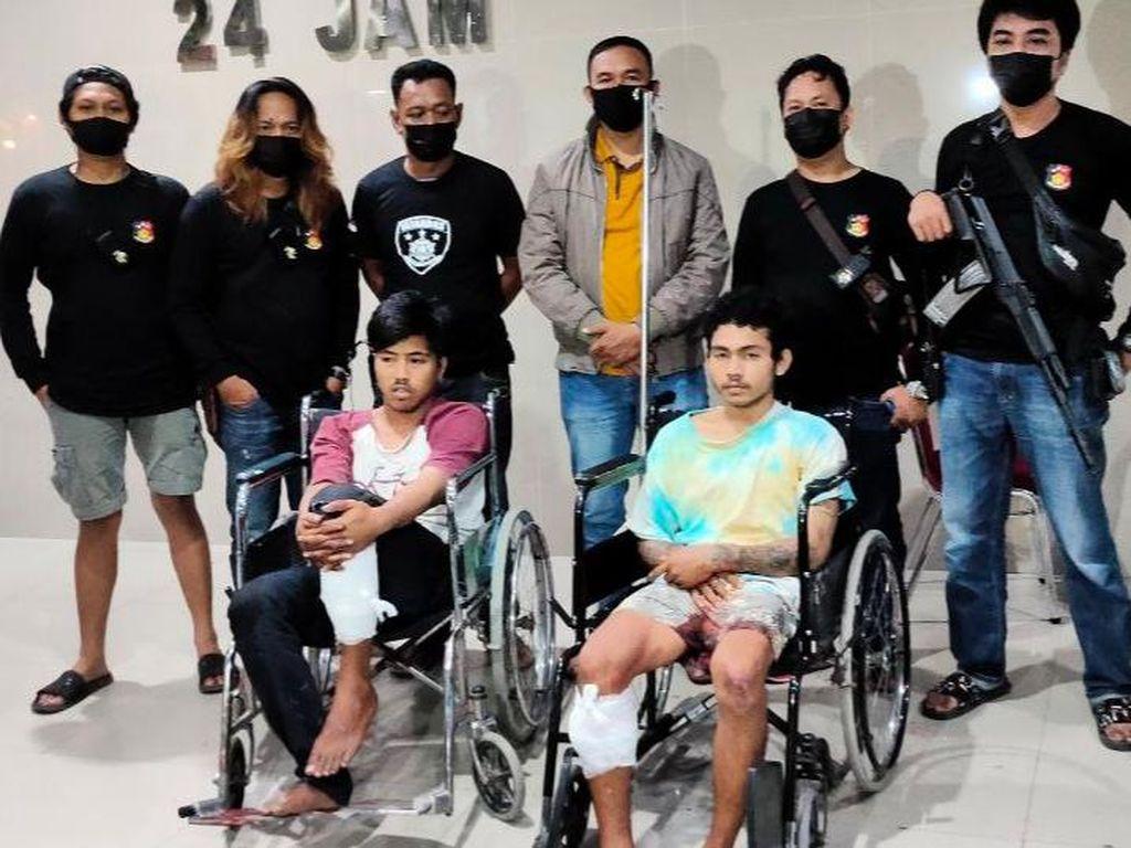Dor! Timah Panas Tembus Kaki 2 Perampok Bersenjata Tajam di Makassar
