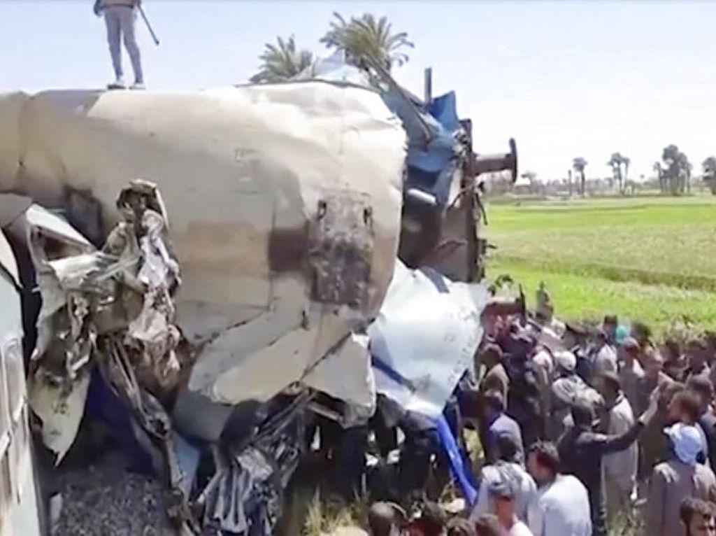 Mesir Tangkap 8 Orang Usai Tabrakan Maut 2 Kereta Api