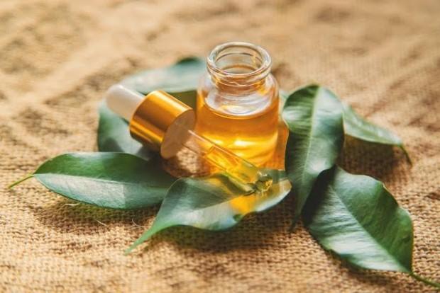 5 Jenis Face Oil yang Friendly untuk Kulit Berjerawat