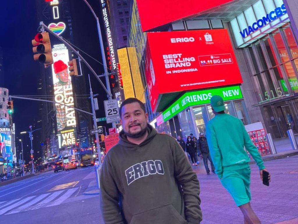 Kisah Sukses Brand Fashion Indonesia Tampil di Times Square New York