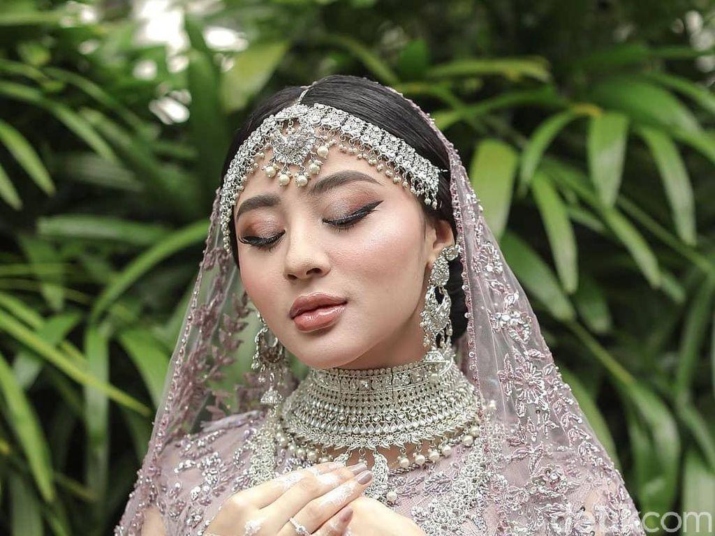 Hobi Gambar, Wanita Tasikmalaya Ini Jadi Pelukis Henna yang Hasilkan Cuan