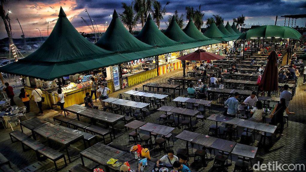 Menikmati Sunset di Food Court Pantai PIK 2