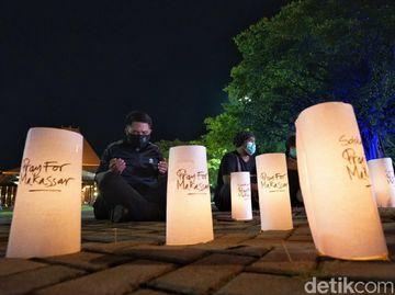 Aksi Doa Bersama Atas Tragedi Bom Makassar di Solo