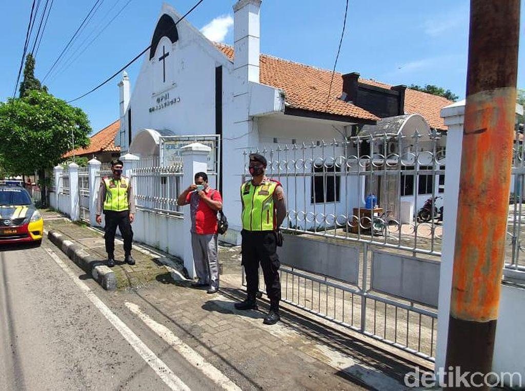 Antisipasi Teror di Majalengka, Polisi Berpakaian Preman Diterjunkan Amankan Gereja