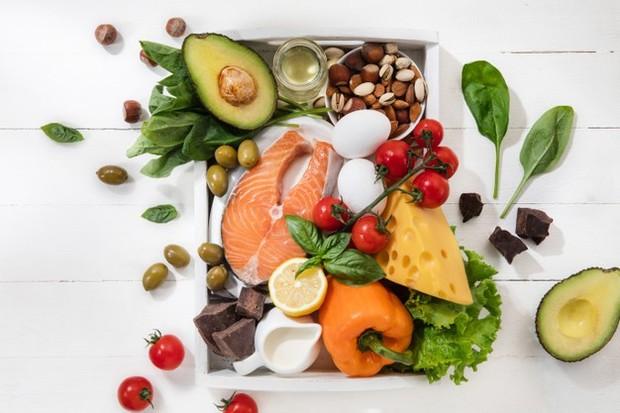 Diet Keto yang menjadi salah satu diet populer dan banyak diikuti para wanita.