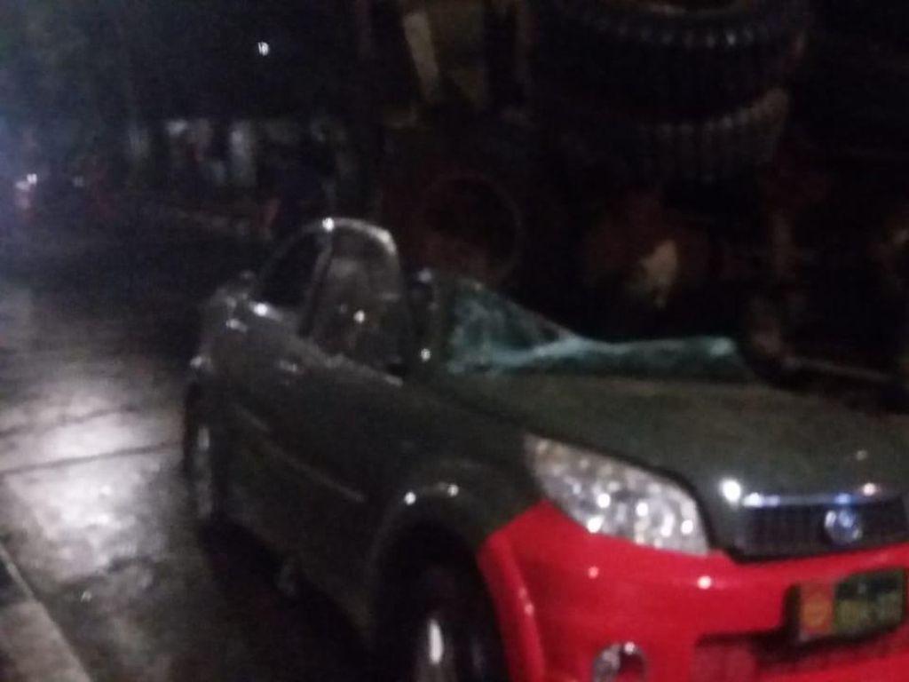 Mukjizat di Bawah Layang Slipi saat Truk Timpa Mobil Dinas TNI