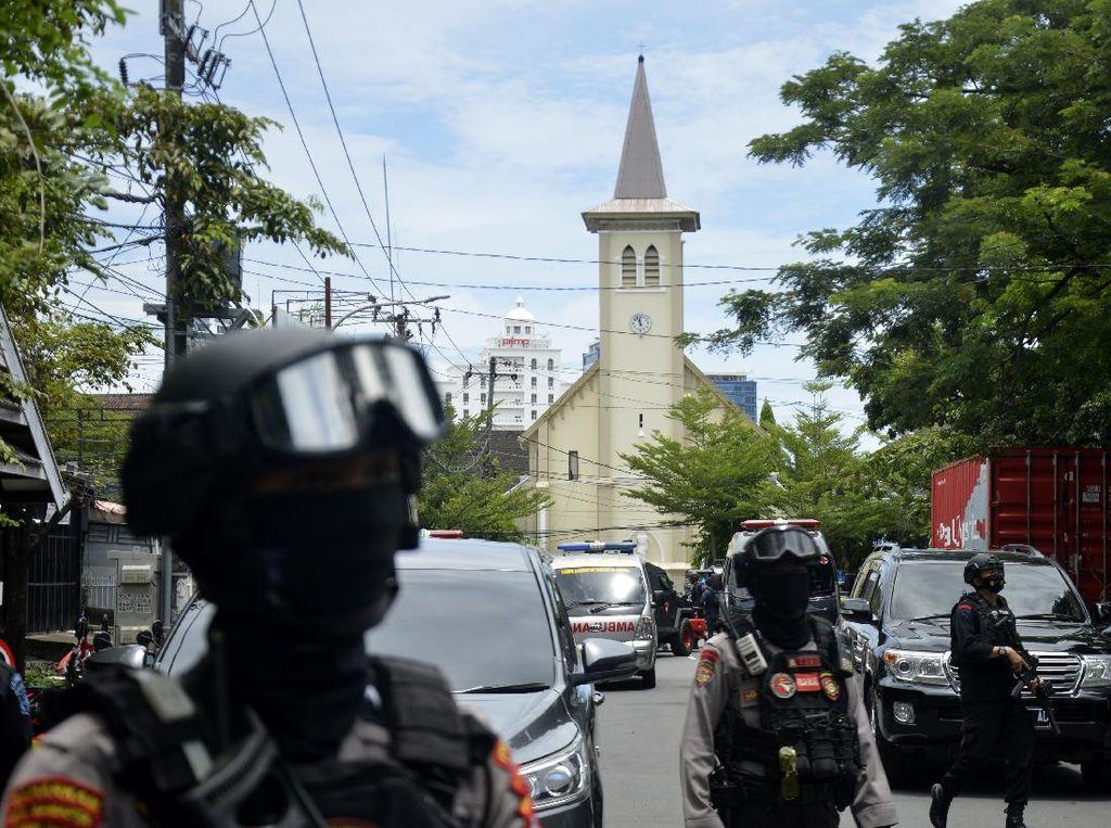 Kronologi Bom Bunuh Diri di Depan Gereja Katedral Makassar
