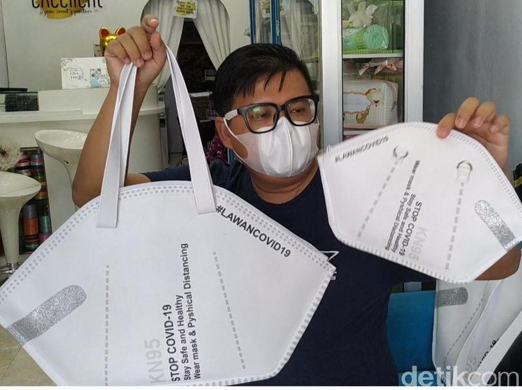 Eye Catching Banget, Tas Masker Bikinan Pemuda Blitar Ini Banjir Pesanan
