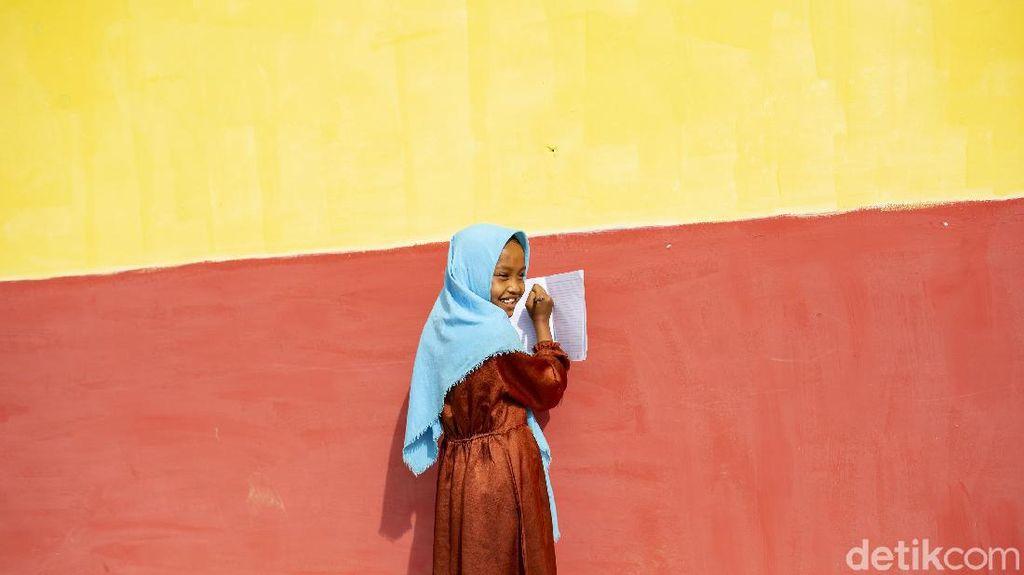 Anak-anak di Kaki Gunung Kencana Mulai Sekolah Tatap Muka