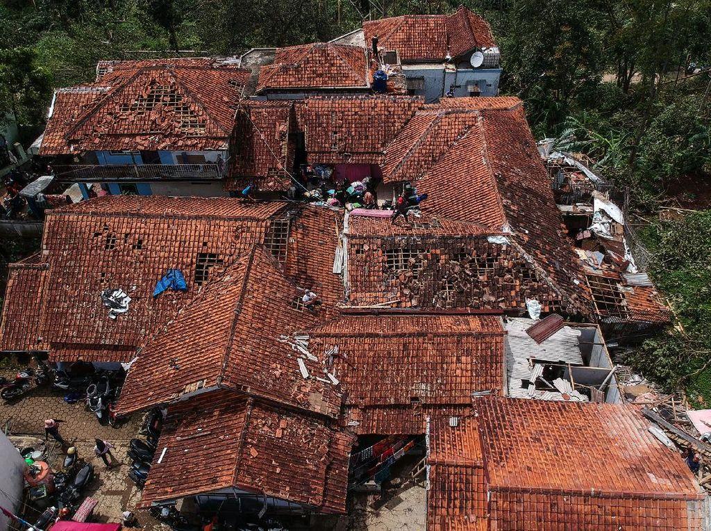Puting Beliung di Cimenyan Bandung, BPBD: 361 Rumah Rusak