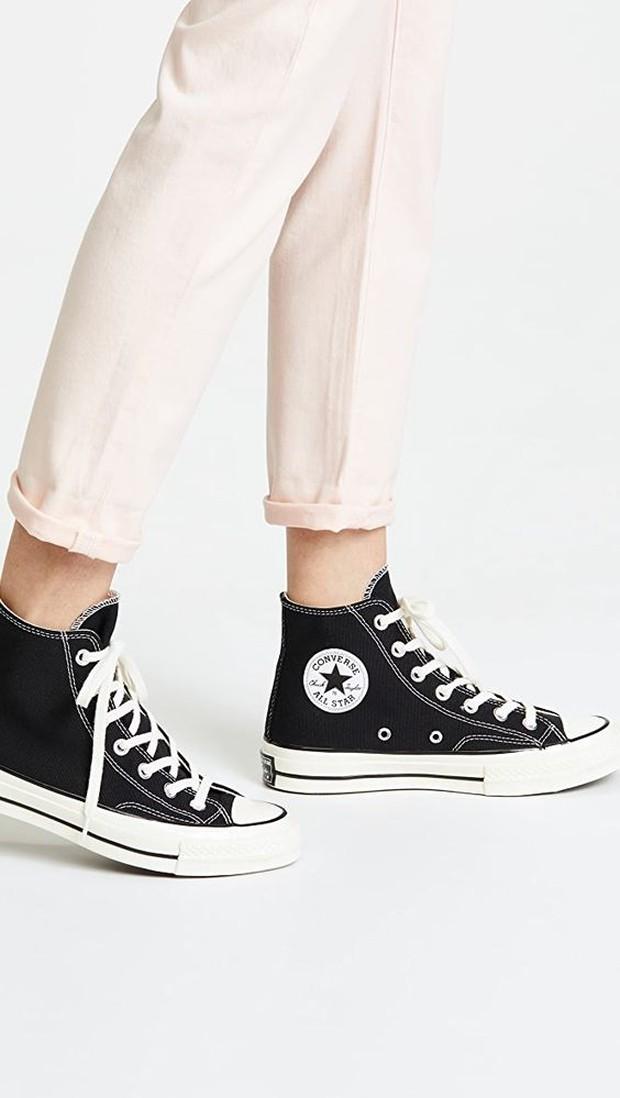 Converse high top (sumber : pinterest.com/shopbob)