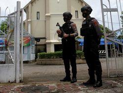 6 Hal yang Diketahui dari Pasutri Bomber Gereja Katedral Makassar
