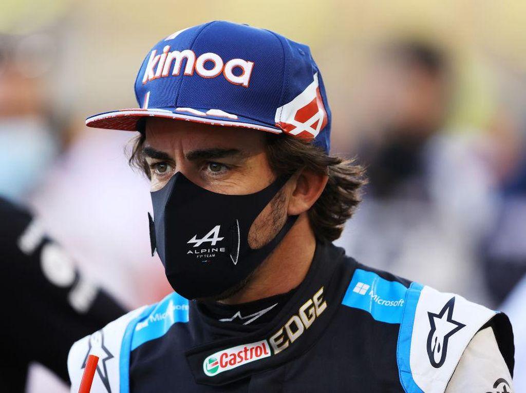 F1 GP Bahrain: Alonso Gagal Finis Gara-gara.... Bungkus Sandwich!