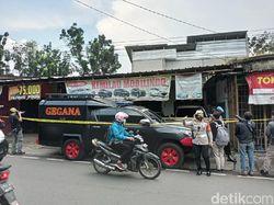 Terduga Teroris Ditangkap Densus, Gegana Siaga di Showroom Mobil Condet