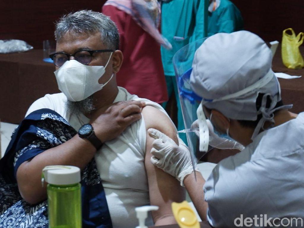 DPR Minta Holding Farmasi Pastikan Pasokan Vaksin Tak Terganggu