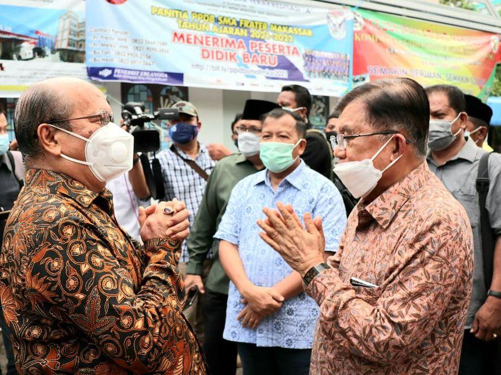 JK Datangi Gereja Katedral Makassar TKP Bom Bunuh Diri Pasutri