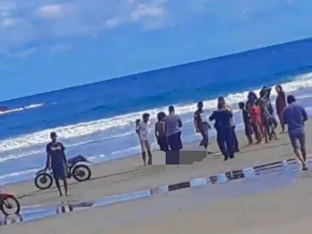 Tiga Remaja Asal Sidoarjo Terseret Ombak Pantai Jolosutro Blitar, 1 Tewas