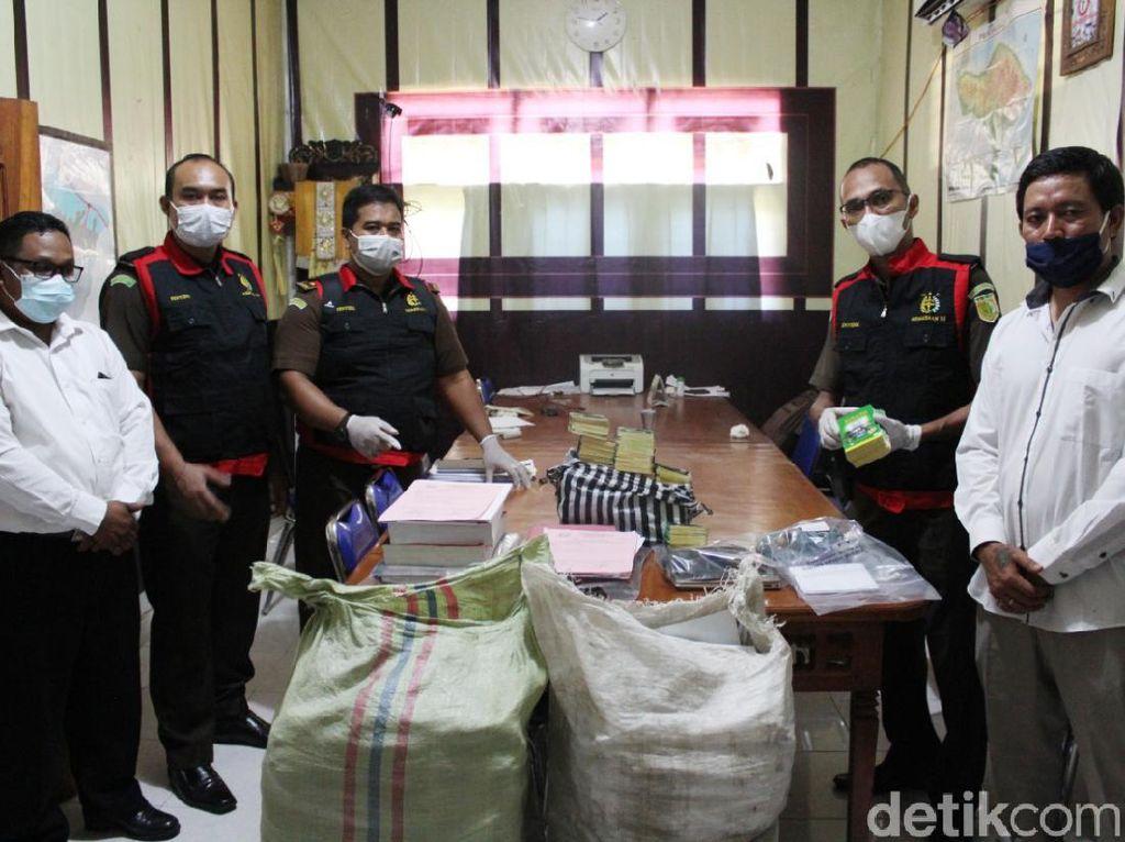 Kejari Karangasem Geledah Kantor Perbekel Tianyar Terkait Dugaan Korupsi