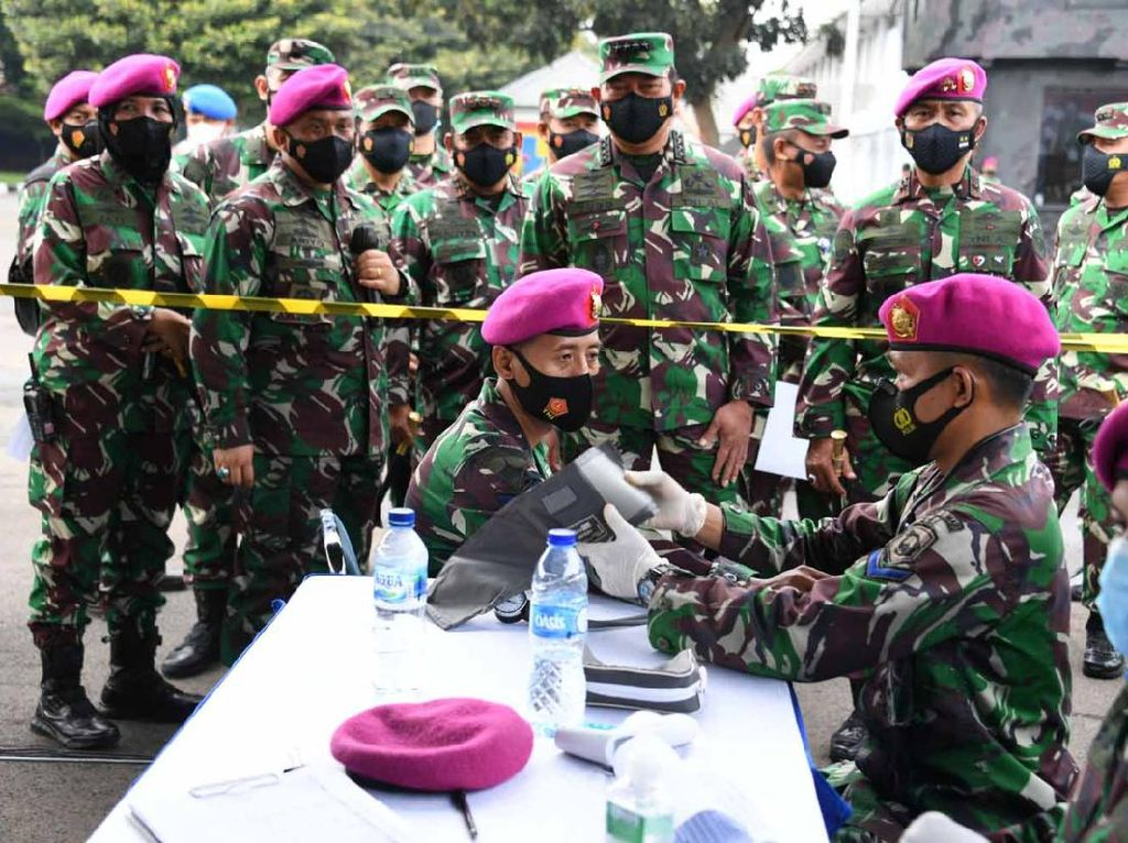 KSAL Tinjau Vaksin 3.000 Korps Marinir dan PNS di Jakarta
