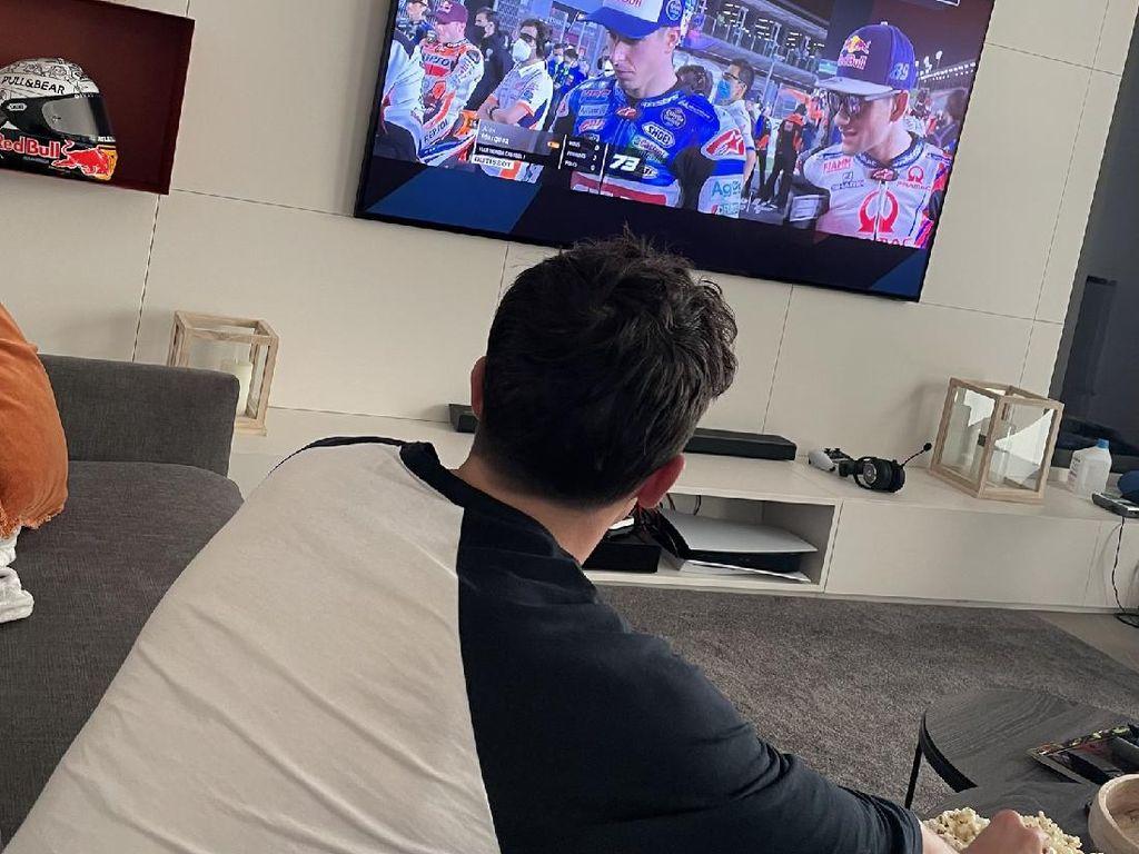 Marc Marquez Cuma Bisa Nonton MotoGP Sambil Ngemil Popcorn