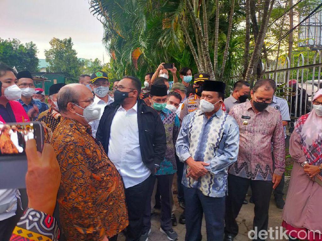 Ke Gereja Katedral Makassar, Menag Puji Kosmas yang Hadang Bomber