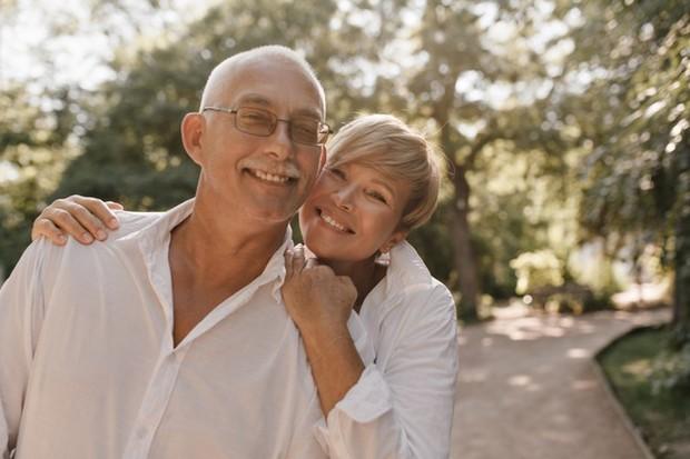 Meskipun begitu, keempat hal di atas tidak berlaku untuk semua pasangan beda usia. Beberapa pasangan yang berusia jauh berbeda mungkin masih mengalami masalah karena ego yang masih sama-sama tinggi.