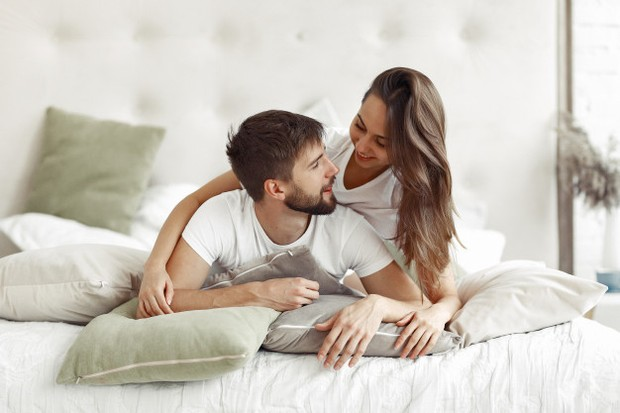 Peningkatan performa seks bisa menjadi kesempatan untuk menjalin ikatan dengan pasanganmu.