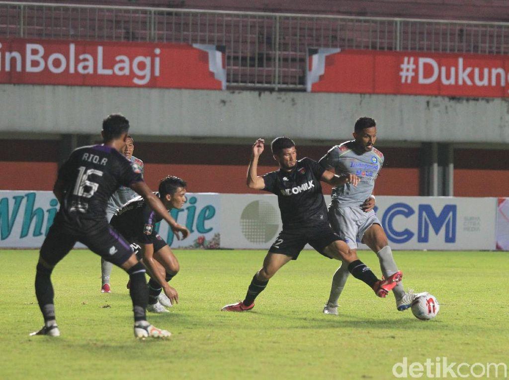 Piala Menpora: Kalahkan Persita, Persib Puncaki Klasemen Grup D