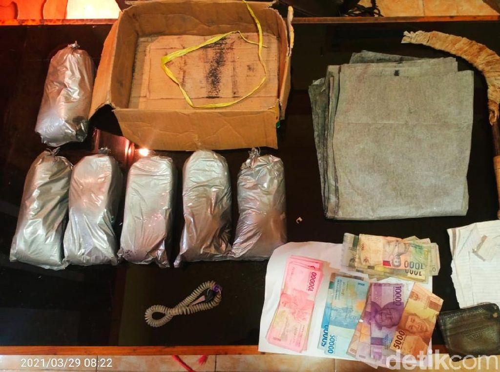 6 Kg Bahan Peledak di Jember Diaku Pemiliknya Hendak Dibuat Bom Ikan