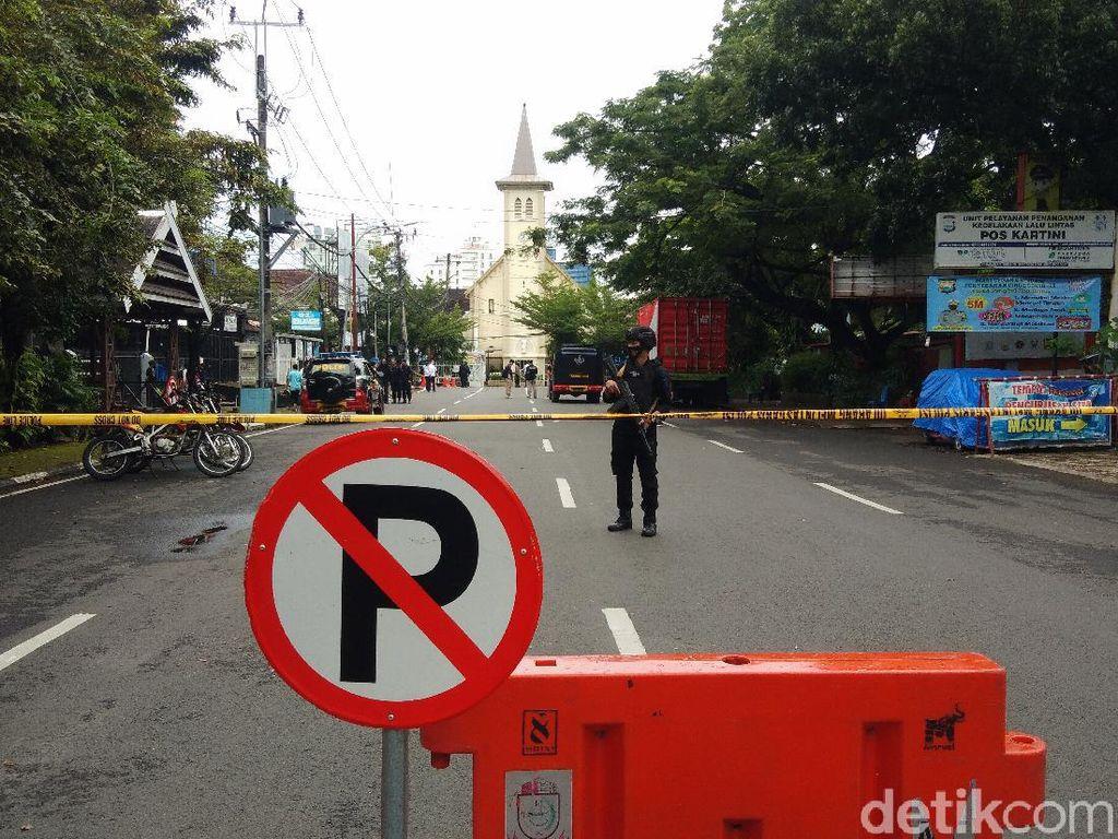 Densus 88 Olah TKP Lanjutan Bom Bunuh Diri di Makassar