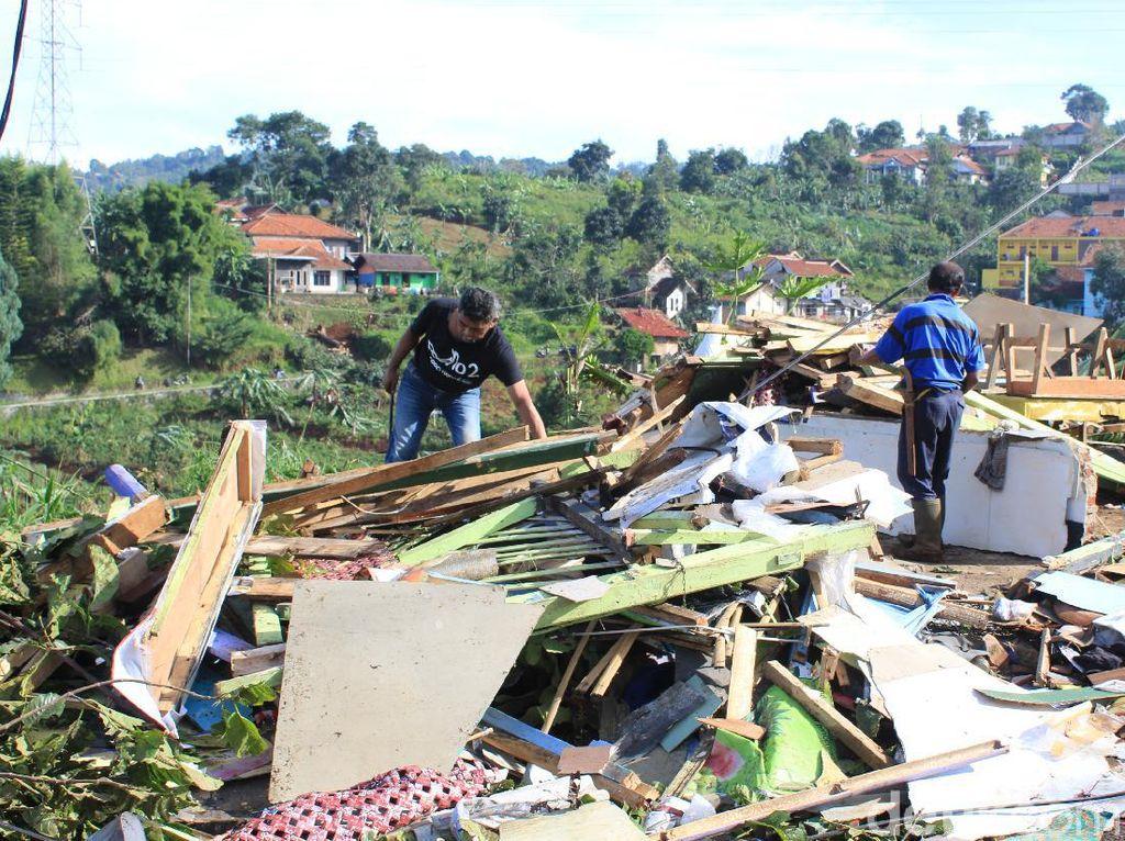 BPBD Bandung: Ada 3 Desa di Cimenyan Terdampak Puting Beliung