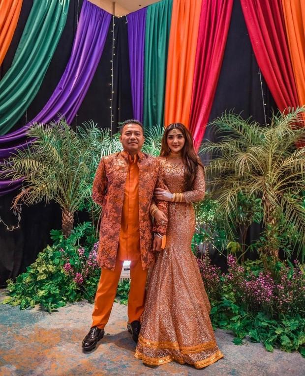 Pernikahan orang tua dari Aurel Hermansyah, Anang dan Ashanty pun dulu disiarkan langsung di televisi.