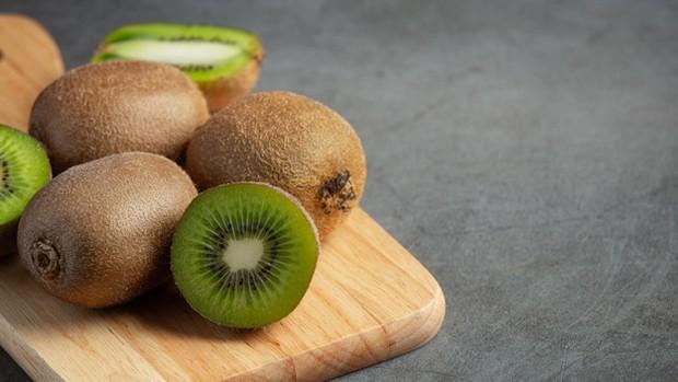Buah kiwi.