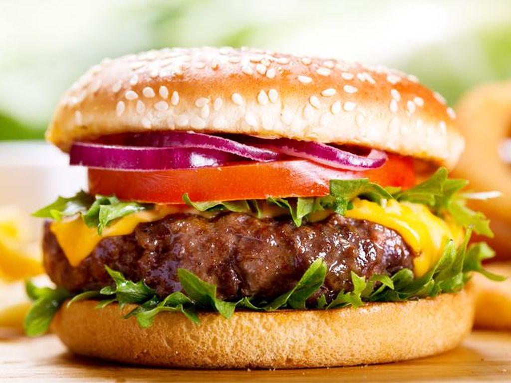 Ini Ciri Khas Burger Premium, Daging Premium dan Roti Homemade