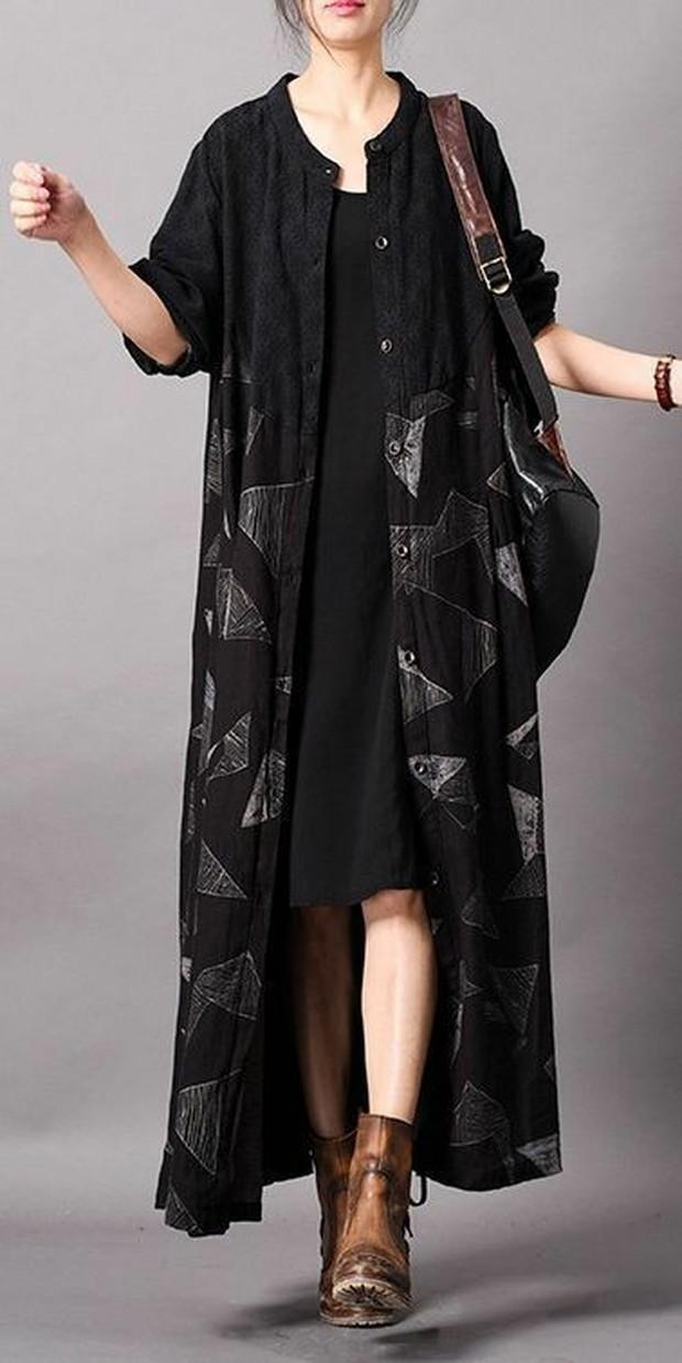 Dress Hitam dan Long Linen Outer (sumber : pinterest.com/sheetal)