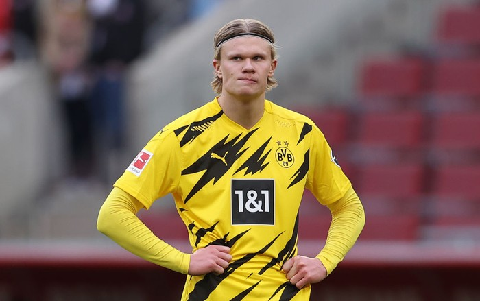 COLOGNE, GERMANY - MARCH 20: Erling Haaland of Dortmund reacts during the Bundesliga match between 1. FC Koeln and Borussia Dortmund at RheinEnergieStadion on March 20, 2021 in Cologne, Germany. (Photo by Lars Baron/Getty Images)