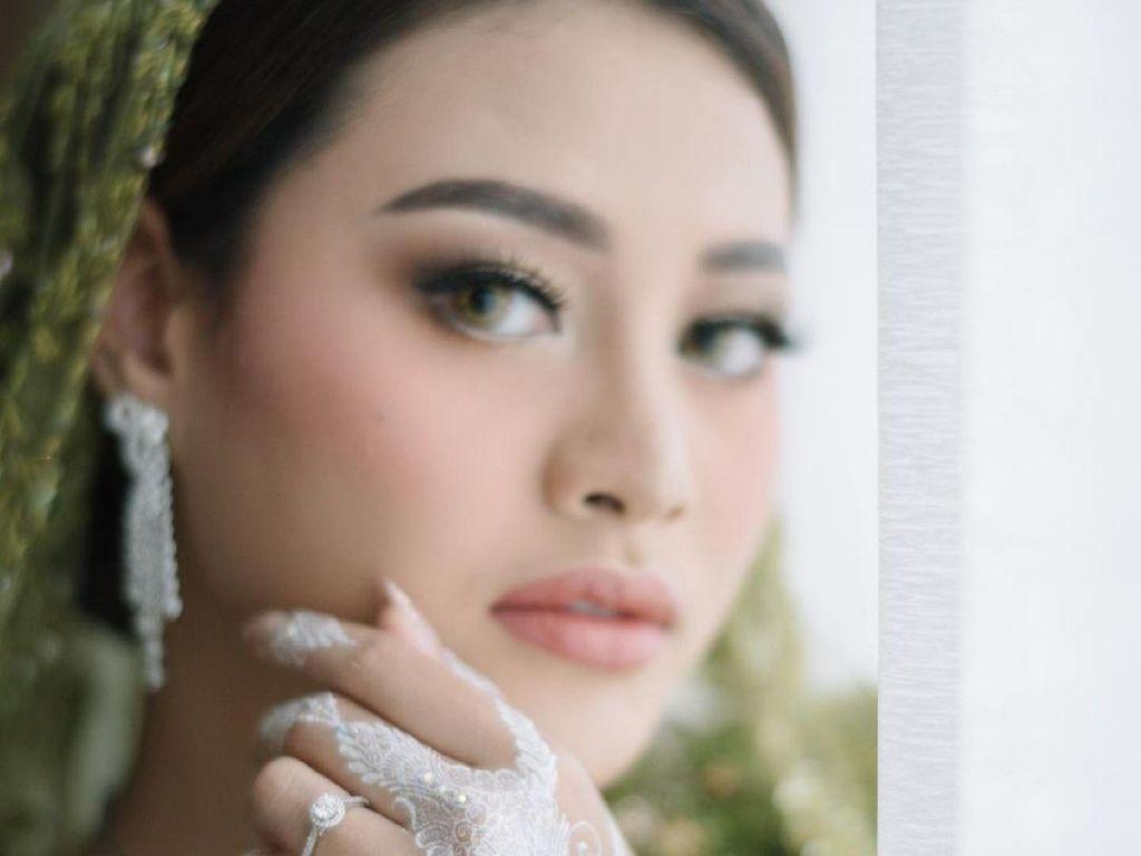 10 Pesona Artis Cantik Saat Pakai Henna, Aurel Hermansyah Bikin Pangling