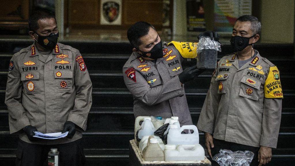 Ini Barang Bukti yang Diamankan dari Terduga Teroris di Condet