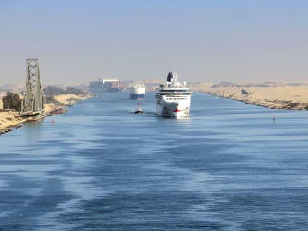 Kapal Tanker Mogok, Terusan Suez Macet Lagi?