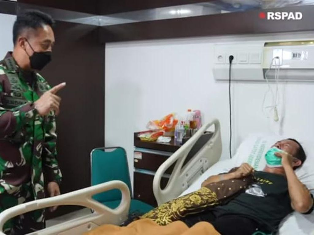 KSAD Jenguk Prajurit yang Lumpuh Disengat Tawon Ndas, Begini Kondisinya
