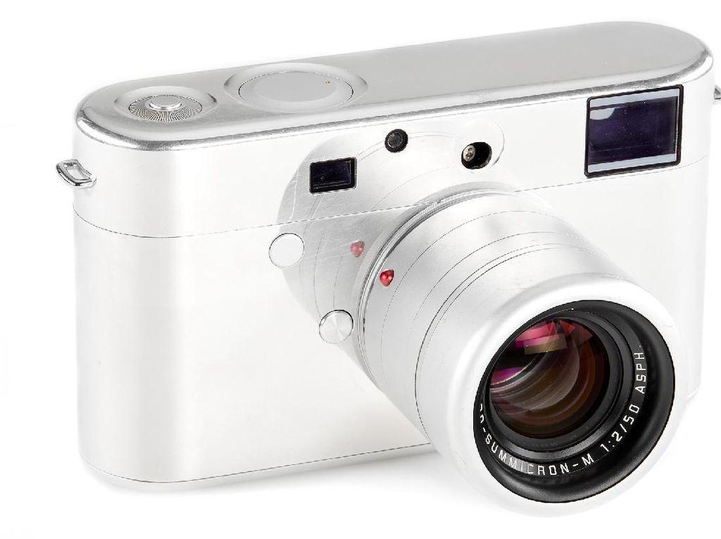 Prototipe Kamera Leica Bikinan Desainer iPhone Dilelang, Harganya?