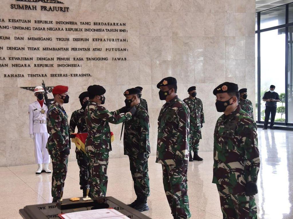 Panglima TNI Pimpin Upacara Serah Jabatan Dankodiklat dan Sertijab Aslog