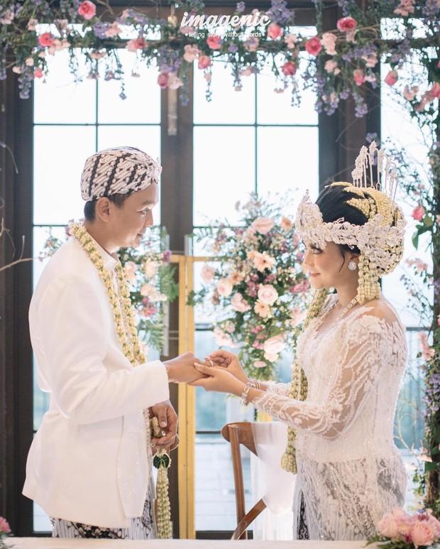 Pernikahan Hanum dan Herlambang