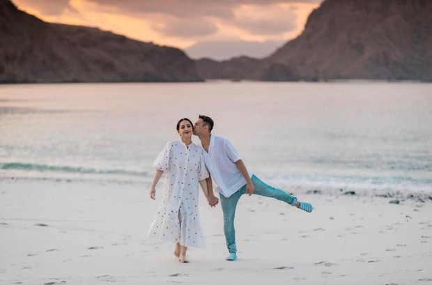 Selain Anang dan Ashanty, pernikahan Raffi Ahmad dan Nagita Slavina juga digelar dengan sangat mewah.