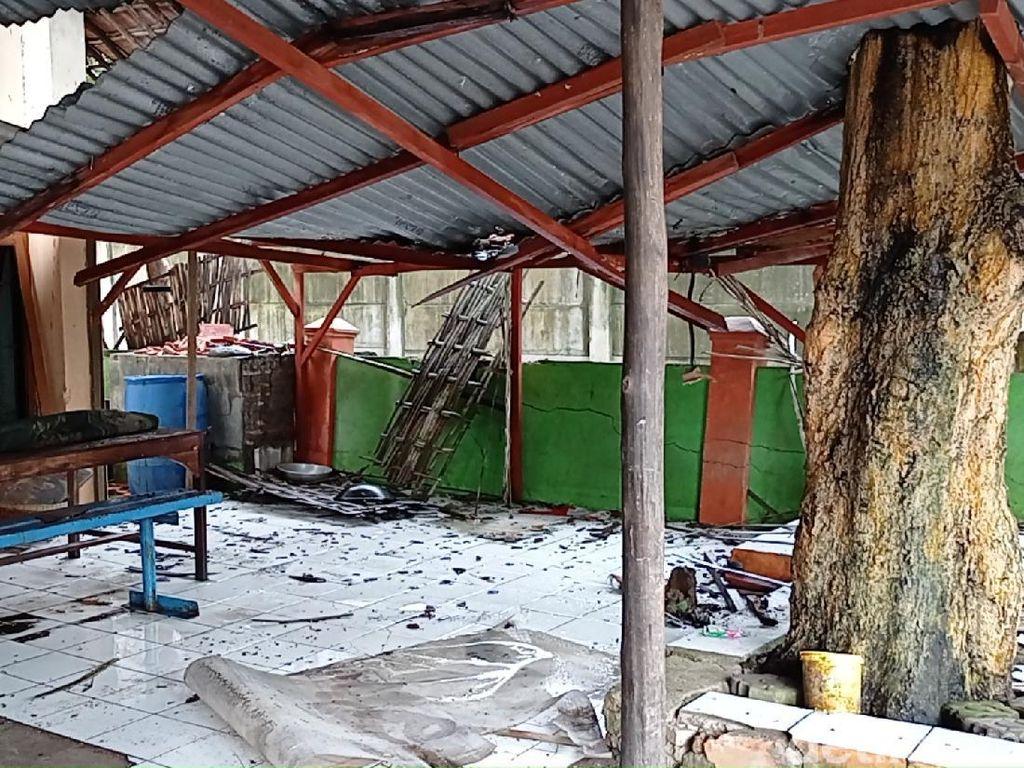 Penampakan Rumah yang Terkena Ledakan Tangki di Kilang Minyak Pertamina