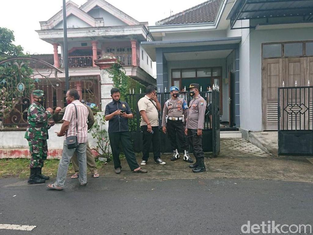 Geledah Rumah Terduga Teroris di Tulungagung, Densus 88 Sita 2 Pistol
