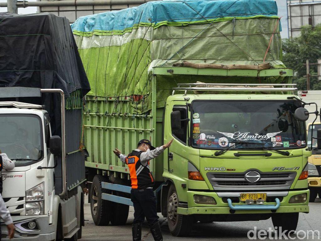 Truk Obesitas Terjaring Operasi Dishub di Jakarta Barat