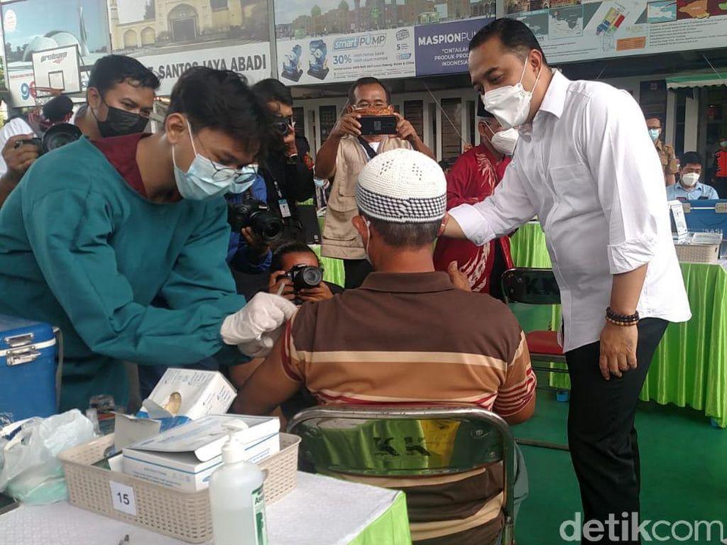 Janjikan Vaksinasi Tercepat, Eri Minta Vaksin untuk Surabaya Terus Ditambah