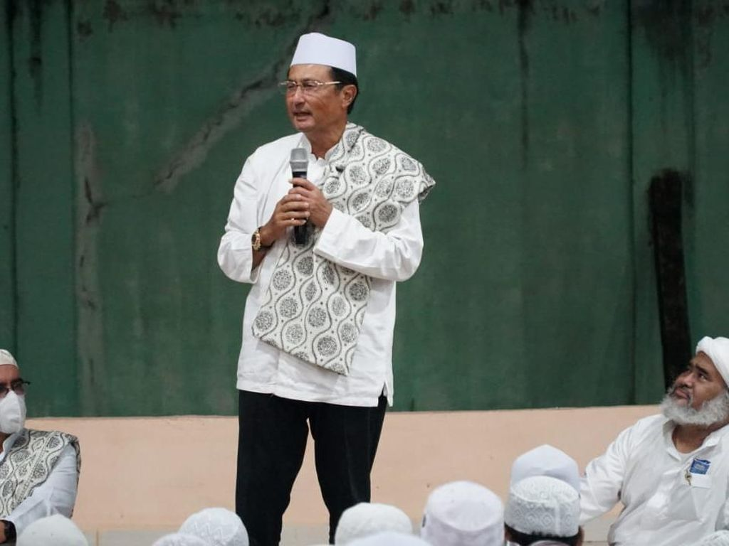 Di Ponpes Rubath Palembang, Waket MPR Motivasi Santri Tekun Belajar